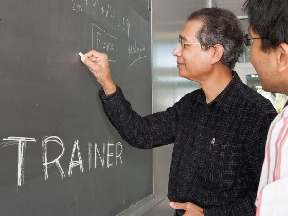 Unterscheidet sich die Rolle des E-Trainers vom herkömmlichen Trainer?